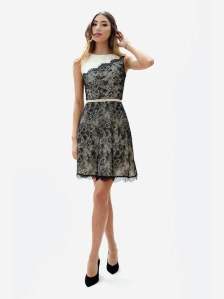 Елегантна рокля в екрю с черна дантела