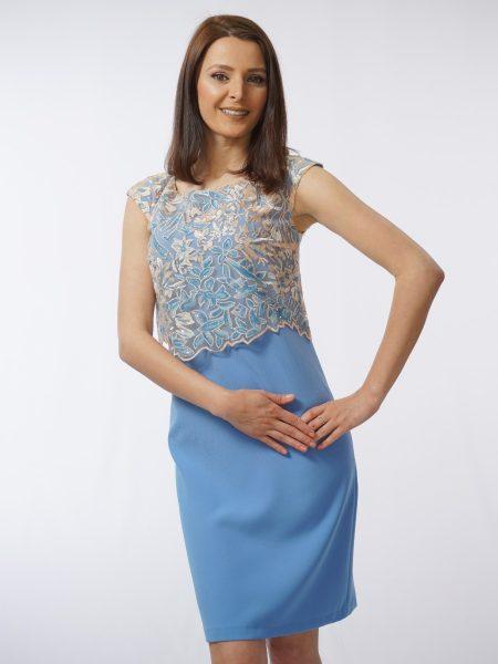 елегантна рокля в светло синьо