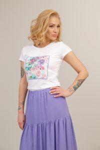 бяла тениска с цветна щампа