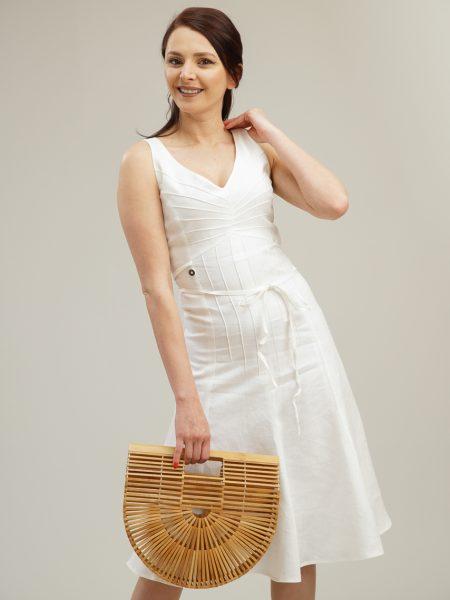 Бяла ленена рокля